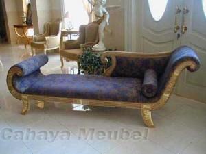 Sofa Klasik Mewah Duco Putih