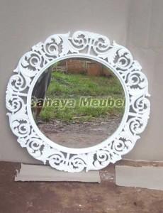 Frame Kaca Ukir Warna Putih