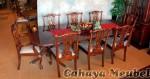 Set Kursi Makan 8 Orang Klasik Mewah