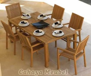Set Meja Makan Outdoor Kayu Jati