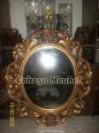Pigura Klasik Oval Kayu Gold