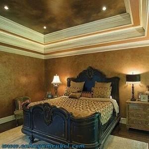 Tempat Tidur Ukir Mewah Klasik