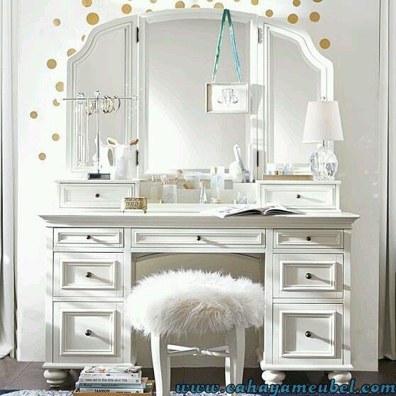 Meja Rias Minimalis Mewah Warna Putih Cahaya Mebel Jepara