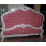 Tempat Tidur Duco Putih Jok Pink