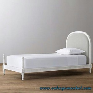 Tempat Tidur Elegant Duco Putih