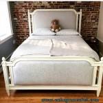 Tempat Tidur Jok Minimalis Putih Duco