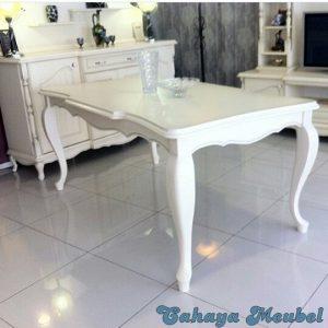 Meja Makan Klasik Putih