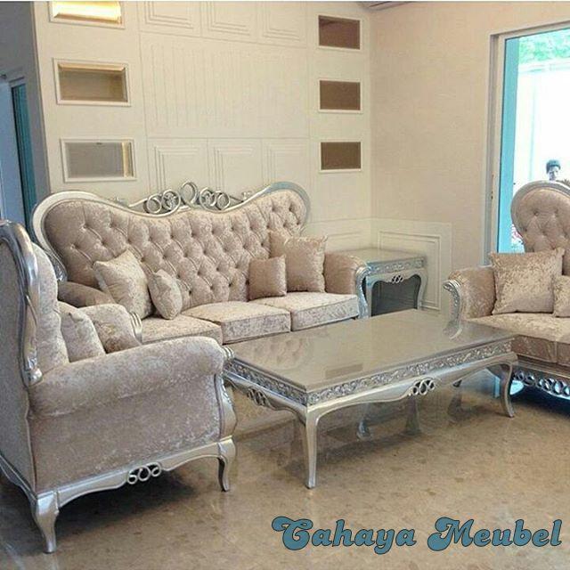 Set Sofa Ruang Tamu Klasik Mewah Cahaya Mebel Jepara