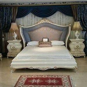 Tempat Tidur Klasik Mewah Putih