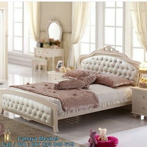 Tempat Tidur Klasik Modern Putih Duco