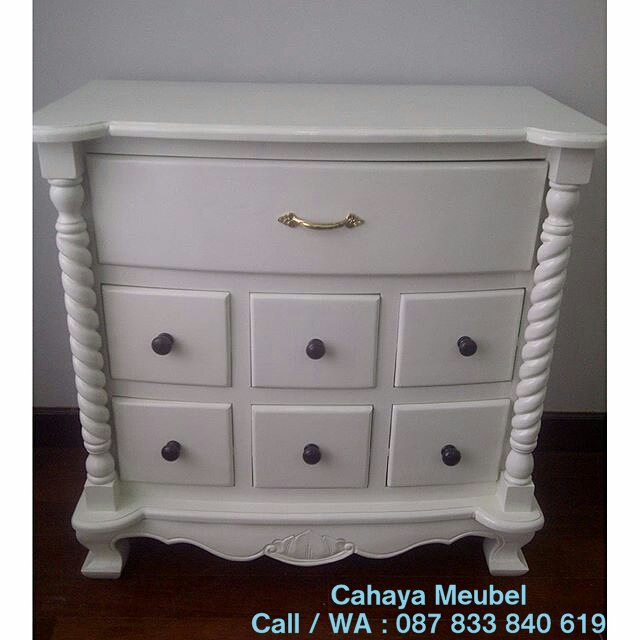 Nakas Laci Minimalis Warna Putih