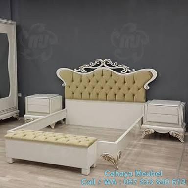 Set Tempat Tidur Klasik Mewah Ukir